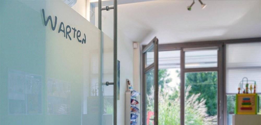 Dekorglasfolie Milchglasfolie Bürobeschriftung Sichtschutz