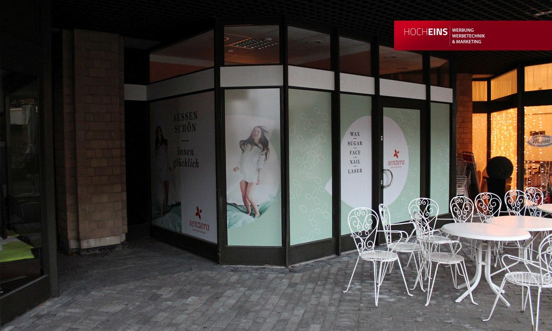 Glasdekorfolie Milchglasfolie Sandstrahlfolie Sichtschutz Sichtschutzfolie Dekorglasfolie Freiburg Emmendingen Werbetechnik Werbung Werbeagentur Schaufensterbeschriftung Glasbeschriftung Glasaufkleber